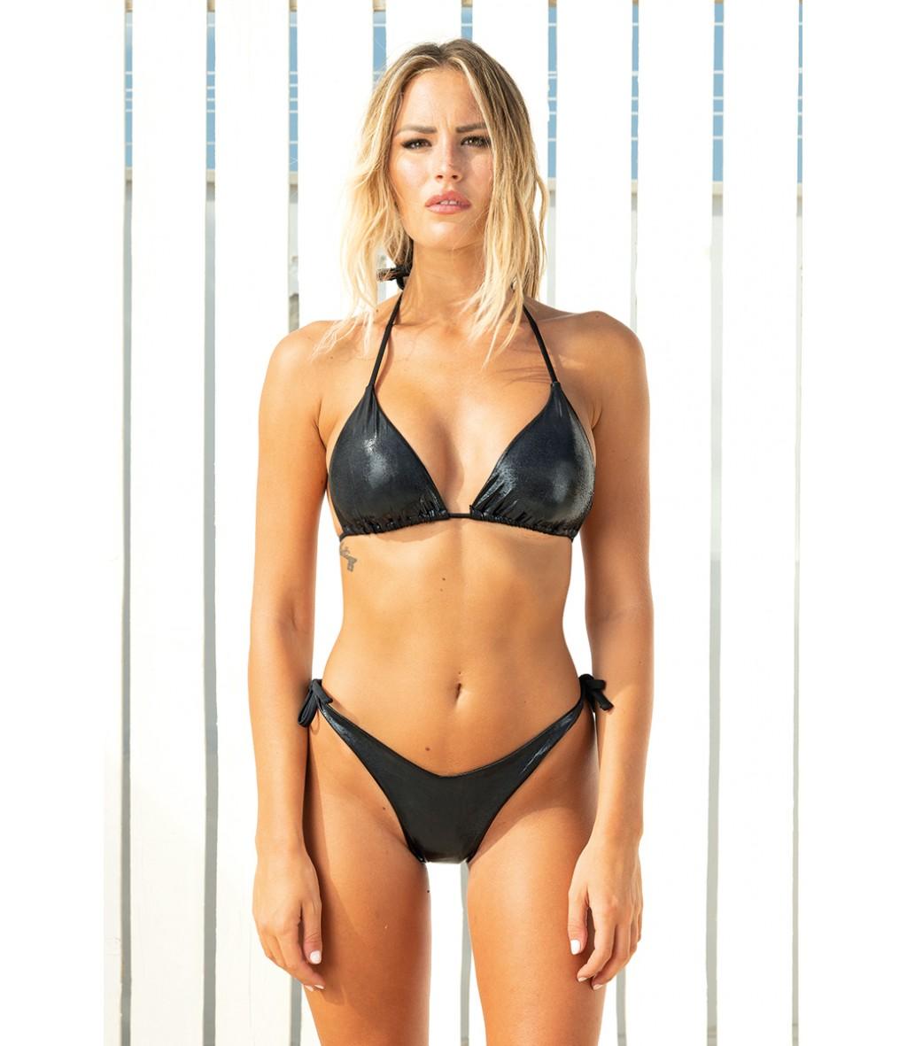 Acquista ora il bikini a triangolo in microfibra spalmata in tinta unita nero di Yes Your Everyday Superhero.